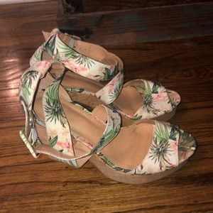 H & M Tropical Wedge Floral Sandals 39
